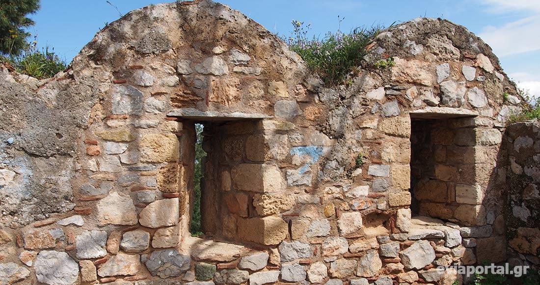 Τυφεκιοθυρίδες - Φρούριο Καράμπαμπα, Χαλκίδα