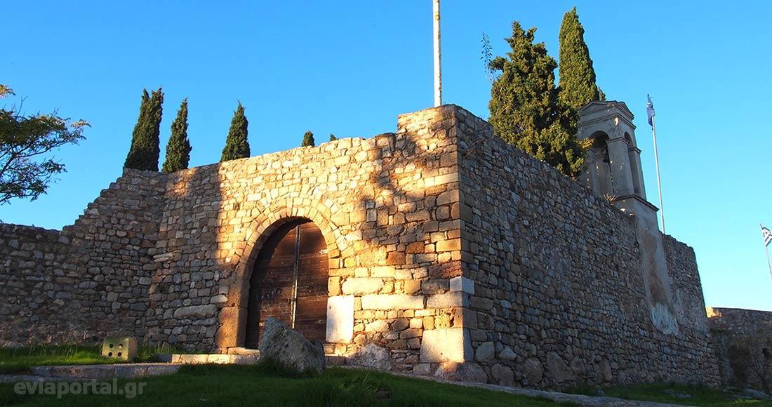 Η κύρια είσοδος του Φρούριου Καράμπαμπα