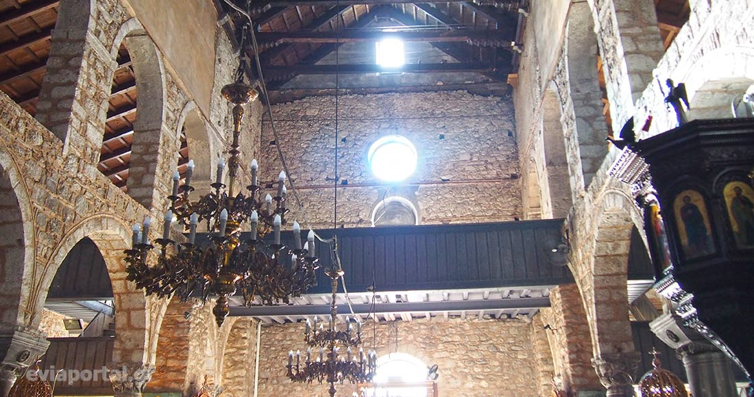 Ξύλινο υπερώο προστέθηκε στο ναό της Αγίας Παρασκευής μετά το σεισμό του 1853