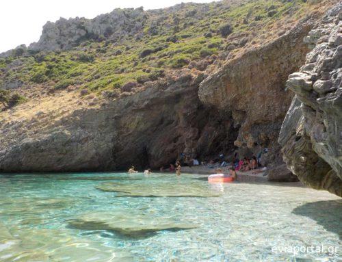 Παραλία Αρμυρίχι Μεσοχωρίου στην Εύβοια