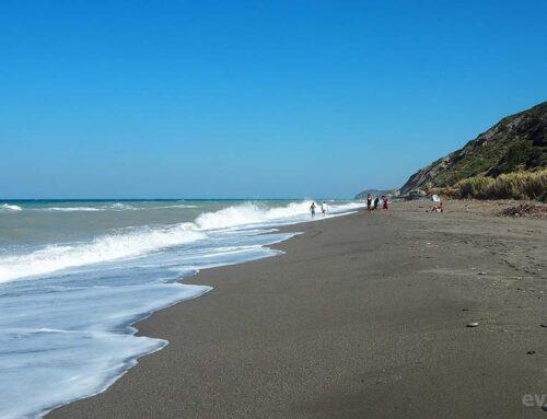 Παραλία Άγιος Γεώργιος, Οξυλίθου Εύβοιας