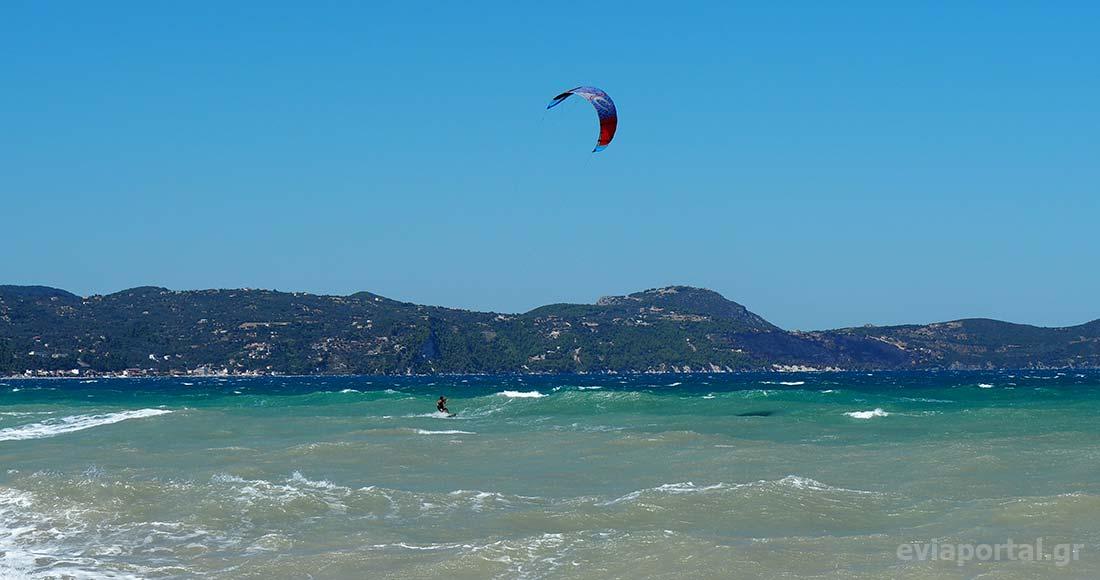 Kite Surf στην παραλία Αγίου Γεωργίου