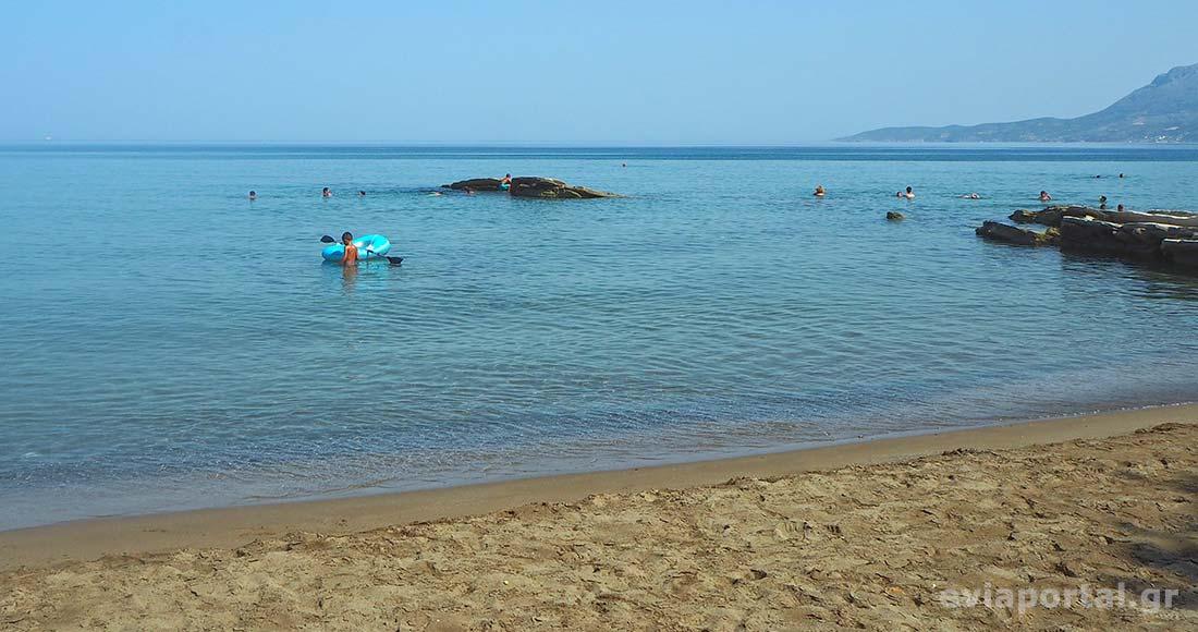 Ιδανική παραλία για τους λάτρεις της αμμουδιάς