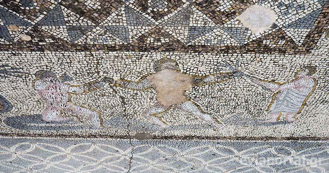 Αναπαράσταση παλαιστών σε ψηφιδωτό δάπεδο στα Ρωμαϊκά λουτρά της Χαλκίδας