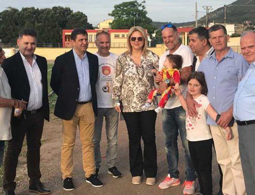 Στην απονομή του κυπέλλου στον ΑΟΝ Αρτάκης, βρέθηκε η υποψήφια δήμαρχος Δήμου Χαλκιδέων Έλενα Βάκα