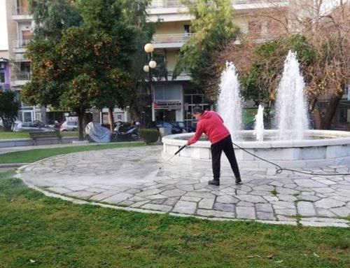 Καθάρισαν την πλατεία Αγίου Νικολάου τα συνεργεία του δήμου Χαλκιδέων