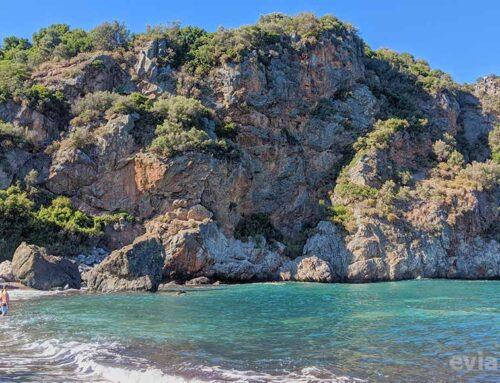 Παραλία Μελίσσι στο Αχλάδι Εύβοιας