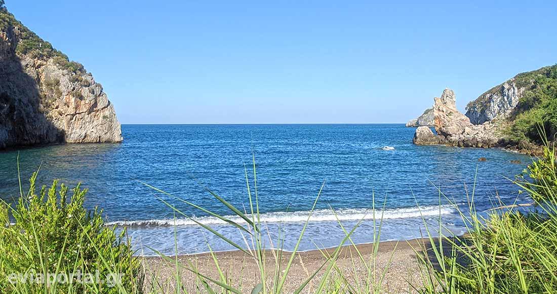 Παραλία Μελλίσι στο Αχλάδι της Εύβοιας