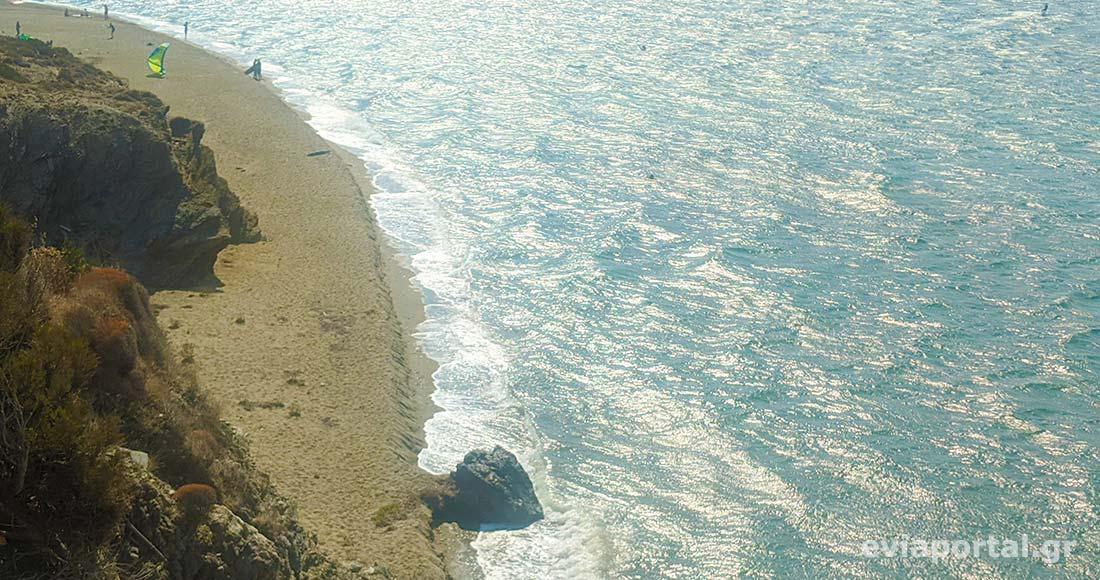 Παραλία Μεγάλη Άμμος στο Μαρμάρι Ευβοίας