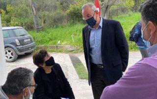 Επίσκεψη Θ. Ζεμπίλη στο εμβολιαστικό κέντρο του Κ.Υ. Μαντουδίου